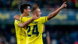 Enjoy the Yellows' vintage performance against Alavés!