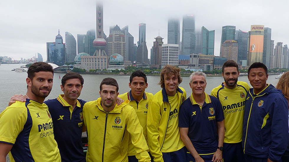 Players and staff members in Shanghai