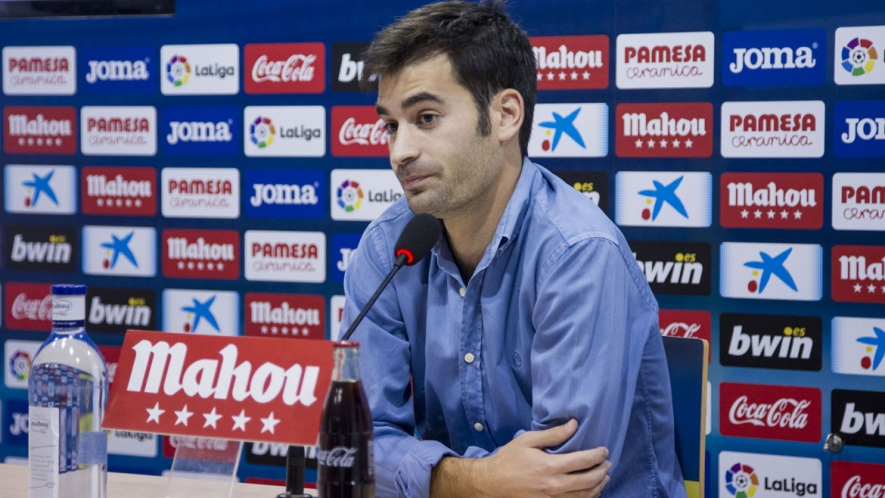 Photo: Manu Trigueros during today's press conference at the Villarreal CF Training Ground (Ciudad Deportiva).