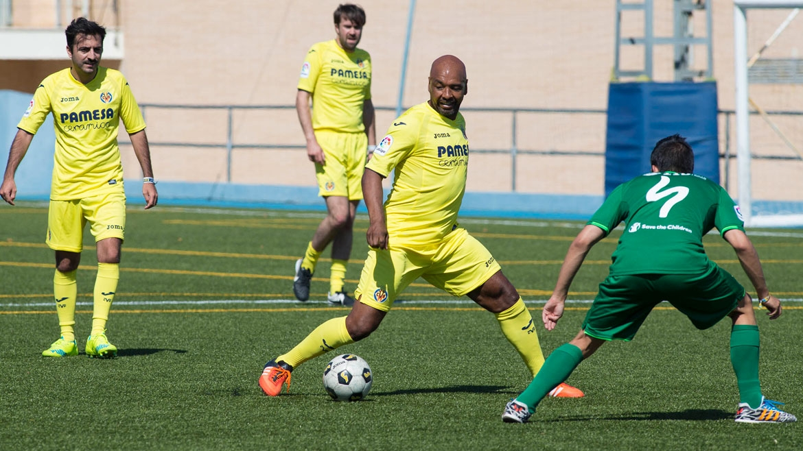 Villarreal and FIB, on the pitch for a good cause